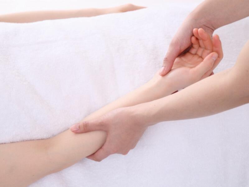 腱鞘炎のマッサージ