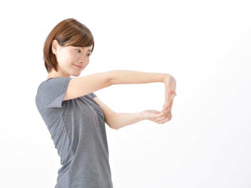 腕の内側のストレッチ